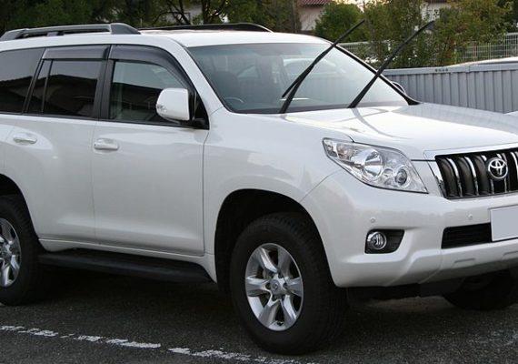800px Toyota Land Cruiser Prado 150